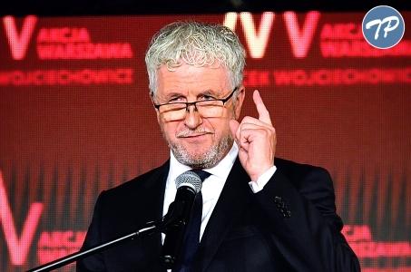 Tragedia rodzinna nie przerywa kampanii Wojciechowicza.