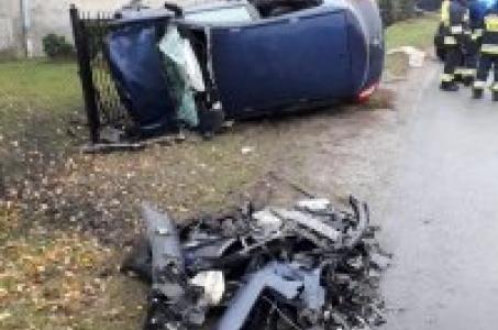 Tragiczny wypadek w Markowicach, nie żyją dwie osoby.