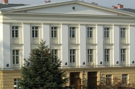 Sąd Rejonowy w Raciborzu w ramach akcji Zaświeć się na niebiesko.