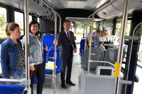 Elektrobus Rafako na ulicach Raciborza.