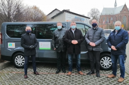Nowy samochód dla świetlicy środowiskowej Nadzieja w Raciborzu.